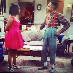 "Really feeling Laura Winslow's dress and metallic sandals from ""Family Matters"". Jaleel White, Steve Urkel, Top Tv Shows, Gta San Andreas, Black Tv, Comedy Show, Family Matters, Metallic Sandals, Best Tv"
