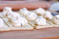 Kynuté buchty pro úplné začátečníky - Kuchařka pro dceru Feta, Dairy, Cheese, Kitchen, Ideas, Cooking, Kitchens, Cuisine, Thoughts