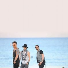 If I saw them on the beach, I would think it was a mirage! Shannon Leto, Jared Leto, and Tomo Milicevic <3