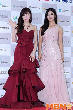 Tiffany and Yuri Shine at Red Carpet Event for '2013 Incheon Korean Music Wave' Concert