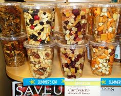 Snack mix in lidded cups to fit in cup holders! Now where to find these cups for my own snacks Road Trip Snacks, Travel Snacks, Road Trip Meals, Car Snacks, All I Ever Wanted, Dessert, Kids Meals, Healthy Snacks, Snack Recipes