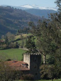 Palacio de Doriga, construido entre los siglos XV y XVI como casona-fuerte, alrededor de una torre medieval más antigua, del siglo XIV, Salas  Asturias  Spain