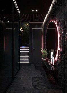 Dream House Interior, Luxury Homes Dream Houses, Dream Home Design, Modern House Design, Modern Houses, Esstisch Design, Black Interior Design, Dark House, Home Building Design