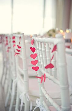 This would be pretty to have on the ceremony aisle chairs