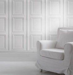 The White Panelling wallpaper is inspired by Georgian architectural details and features white decorative panels for a classy and classic look. It can be used to create a bright elegant feel reminiscent of stately homes, Georgian conservatories and posh hotels.