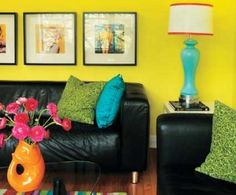 Nice pops of colors for a cheery living room :)