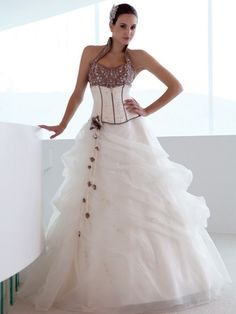 wedding gown / dress. i am in love with this dress!