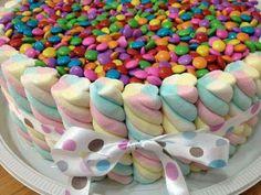 Risultati immagini per bolo de marshmallow Rainbow Birthday, Unicorn Birthday Parties, Unicorn Party, Birthday Cake, Torta Candy, Candy Cakes, Cupcake Cakes, Candy Party, Candy Buffet