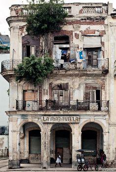 Stunning architecture. Old Havana.