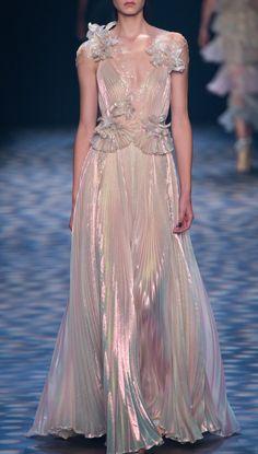 "skaodi: ""Marchesa Spring New York Fashion Week. New York Fashion, Runway Fashion, High Fashion, Fashion Show, Fashion Spring, Fashion Fashion, Marchesa Spring, Pretty Dresses, Beautiful Dresses"