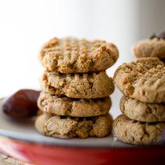 3-Ingredient Vegan Peanut Butter Cookies. (Plus a Free E-book...