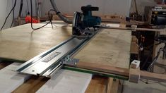 Diy Tracksaw - Find And Save Wallpapers Plywood Siding, Carriage Bolt, Circular Saw, Diy Tools, Woodworking Tips, Carpentry, Accessories Shop, Home Projects, Home Improvement