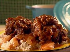 Get Braised Oxtail Stew Recipe from Cooking Channel Jamaican Recipes, Beef Recipes, Chicken Recipes, Cooking Recipes, Oxtail Recipes Easy, Jamaican Cuisine, Jamaican Dishes, Vegan Recipes, Cooking Corn