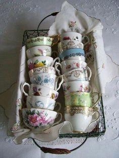 It's a Vintage Life. Cute way to display vintage tea cups. I love vintage dishes and cups. Vintage Dishes, Vintage China, Vintage Teacups, Antique Tea Cups, Vintage Coffee, Antique Lamps, Antique China, Vintage Flowers, Tea Display