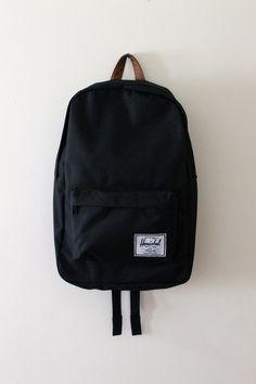 Herschel Supply Co. Mochila Herschel, Herschel Bag, Mochila Jansport, Herschel Heritage Backpack, Herschel Supply, Herschel Backpack Outfit, Herschel Classic Backpack, Cute Backpacks, School Backpacks