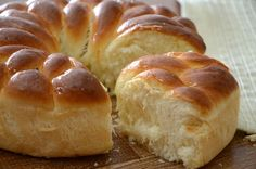 Need bread recipes? Get lots of bread recipes for your meal or gathering. Taste of Home has great tasting bread recipes including banana bread recipes, bread machine recipes, and more bread recipes. My Recipes, Bread Recipes, Sweet Recipes, Cooking Recipes, Favorite Recipes, Pain Pizza, Good Food, Yummy Food, Pan Bread