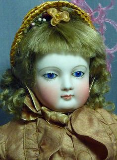 "Pretty 14"" Barrois French Fashion, hairline"