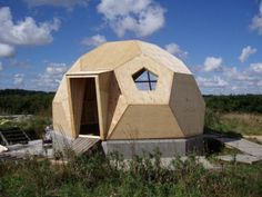 Prefab geodesic dome home: Modern prefab modular homes Prefab Modular Homes, Dome Structure, Geodesic Dome Homes, Dome House, Tiny House Cabin, Round House, Building A House, Green Building, Natural Building