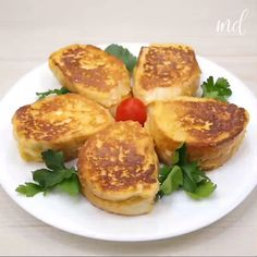 Egg And Bread Recipes, Egg Recipes For Breakfast, Homemade Breakfast, Brunch Recipes, Food Dishes, Food Videos, Easy Meals, Food And Drink, Cooking Recipes