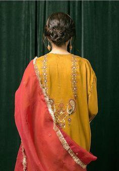 Pakistani Fashion Party Wear, Pakistani Formal Dresses, Pakistani Wedding Outfits, Pakistani Dress Design, Bridal Outfits, Stylish Dress Designs, Dress Neck Designs, Stylish Dresses, Casual Dresses