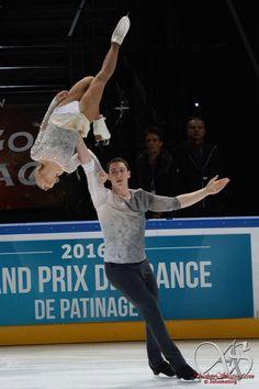 Aliona Savchenko and Bruno Massot of Germany Aliona Savchenko, Hockey Memes, Ice Skaters, Ice Dance, Ice Ice Baby, Rhythmic Gymnastics, Extreme Sports, Ballet, Figure Skating