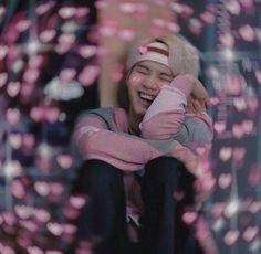 This is a Community where everyone can express their love for the Kpop group BTS Bts Meme Faces, Min Yoongi Bts, Min Suga, Foto Bts, Bts Emoji, Bts Face, Heart Meme, Cute Love Memes, Les Bts