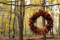 Die Raumfee im Herbst: Upcycling-Türkranz aus Buchenblättern und Draht-Kleiderbügel // Upcycling-door wreath, made of beech leaves and a wire hanger