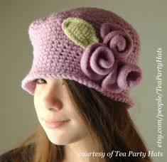 Items similar to 1920 Vintage Style Hat - Lavender Crochet Hat, Lilac Cloche Hat with Lilac Wool Felt Roses, Flapper Hat, Vintage Hat on Etsy Crochet Flower Hat, Crochet Flower Patterns, Crochet Yarn, Free Crochet, Felt Roses, Felted Flowers, Flapper Hat, Fall Hats, Rose Tutorial