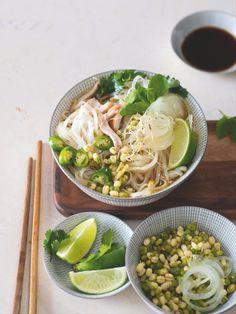 Rychlá vzpruha i pohlazení... Pho, Ramen, Cabbage, Soup, Healthy Recipes, Meat, Chicken, Vegetables, Ethnic Recipes