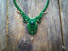 Collier bohémien chic en macramé malachite Bijou boho elfique par Créations Mariposa Ma1