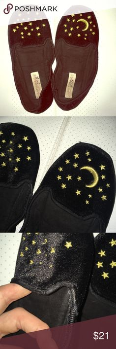 American rag night time slippers American rag night time scene slippers. FOR AROUND THE HOUSE NOT BALLET FLATS. Size 7 but can fit a size 7.5. Has a little imperfection as shown in picture three. UNIF for exposure ✨🌙 UNIF Shoes Slippers