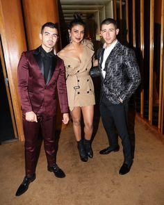 Priyanka Chopra's bro in law to be Joe Jonas reveals Nick Jonas is her PUPPY DOG Bollywood Girls, Bollywood Actress, Bollywood News, Indian Celebrities, Bollywood Celebrities, Priyanka Chopra Wedding, Glamorous Chic Life, Parineeti Chopra, Nick Jonas