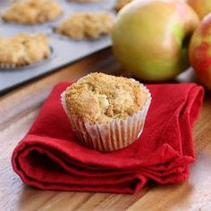 Delicious apple muffins --- a great way to use those apples you get on sale but never actually eat. Muffin Recipes, Apple Recipes, Fall Recipes, Baking Recipes, Easy Apple Muffins, Apple Cinnamon Muffins, Baking Muffins, No Bake Desserts, Dessert Recipes