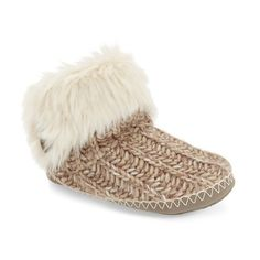 Bedroom Athletics 'Toni' Faux Fur Knit Slipper (1 265 UAH) ❤ liked on Polyvore featuring shoes, slippers and natural knit