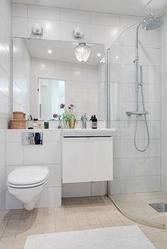 Renoverat smakfullt badrum med dusch