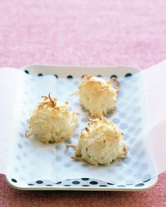 Coconut macaroons. So easy but fancy!