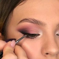 [New] The 10 Best Eye Makeup Ideas Today (with Pictures) - 1 2 or By Tag someone who would like this! Makeup Eye Looks, Eye Makeup Steps, Cute Makeup, Smokey Eye Makeup, Glam Makeup, Eyebrow Makeup, Skin Makeup, Makeup Inspo, Eyeshadow Makeup