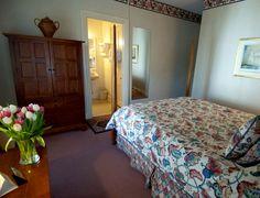 Cozy Queen Room in the 1865 House
