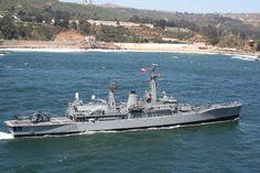 """FF-06 """"Almirante Condell"""" La FF 06 """"Almirante Condell"""" es el cuarto buque en la institución que lleva el nombre del Vicealmirante Carlos Condell de la Haza. Fue construida en los astilleros Swan Hunter del Reino Unido, sirviendo a la Real Armada Británica hasta el año 2005. Se integra a la lista naval de la Armada de Chile en el puerto inglés de Portsmouth el 28 de mayo del 2008. Norfolk, Poder Naval, Portsmouth, Boat, Ship, Mayo, British Army, Modern Warfare, Bicycle Kick"""