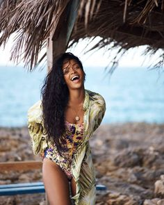 "633 Likes, 3 Comments - Rihanna Editz (@pro.polis) on Instagram: ""#rihanna ❤️❤️❤️ #barbados ❤️❤️❤️"""
