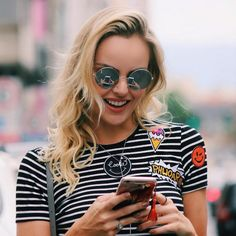 look patches tendencia - Pesquisa Google Look Patches, Round Sunglasses, Mirrored Sunglasses, Summer Outfits, Cute Outfits, Summer Clothes, Love And Marriage, Street Style, Chic