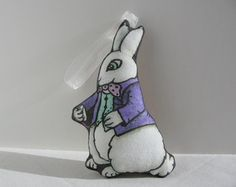 22fd1d4ff361 Alice in Wonderland Christmas Ornament White Rabbit Cloth Doll Handmade  Stuffed Fabric Decoration Белые Кролики,