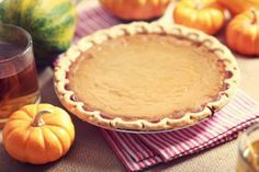 It's fall y'all, which means pumpkin spice and everything nice! Here's our easy and delicious pumpkin pie recipe. Easy Pumpkin Pie, Pumpkin Pie Recipes, Pumpkin Dessert, Pumpkin Spice, Fall Dishes, Thanksgiving Leftovers, Thanksgiving Art, Soup Kitchen, 20 Min