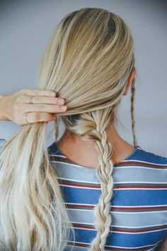 Step-By-Step Barefoot Blonde Hair Tutorial
