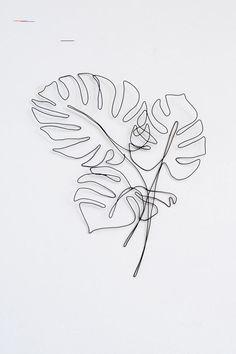Art minimaliste 250231323033860749 - source de louisejane Throughout the girl's five-decade career, artist Viola Frey Minimal Art, Wire Wall Art, Minimalist Artwork, Steel Sculpture, Bronze Sculpture, Personalized Wall Art, Wall Art Decor, Artwork Wall, Art Abstrait
