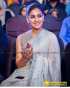 Nayanthara's saree collection are unique, simple and stylish. Here we have sorted down Nayanthara Chicest Saree Looks of 2018 Kerala Saree Blouse Designs, Saree Jacket Designs, Blouse Neck Designs, Blouse Styles, Nayanthara In Saree, Cotton Saree Blouse, Sleeveless Saree Blouse, Sari Blouse, Stylish Blouse Design