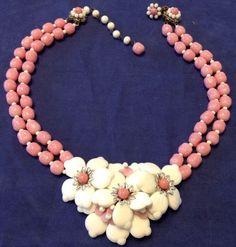 VINTAGE MIRIAM HASKELL SIGNED PINK BAROQUE & WHITE FLOWER GLASS BEAD…
