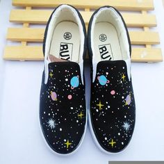 Size is for Foot B(M) US D(M) US Men = EU size 35 = Shoes length Fit foot length Harajuku fashion galaxy hand-painted canvas shoes Painted Canvas Shoes, Painted Vans, Hand Painted Shoes, Painted Clothes, Painted Sneakers, Vans Customisées, Custom Vans Shoes, Aesthetic Shoes, Shoe Art