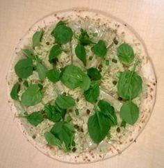 #Victoria Vegan Pizza made with vegan arugala pesto Embedded image permalink