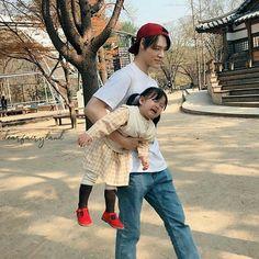 Cute Asian Babies, Korean Babies, Asian Kids, Cute Babies, Ulzzang Kids, Ulzzang Korea, Ulzzang Couple, Korean Ulzzang, Father And Baby